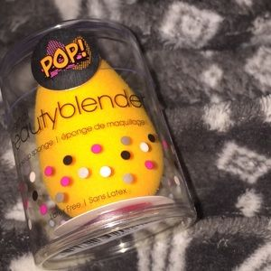 "Limited edition ""orange"" beauty blender"